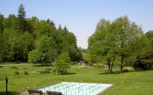 Kneippanlage Pfaffenhausen - Großes Tretbecken